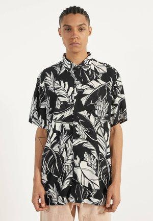 HEMD MIT TROPENPRINT - Skjorter - black