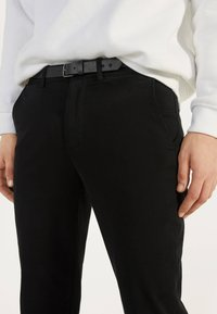 Bershka - Chinot - black - 3