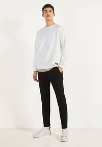 Bershka - Chinot - black - 1