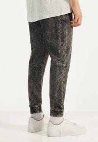 Bershka - Teplákové kalhoty - dark grey - 2