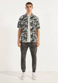 Bershka - Teplákové kalhoty - dark grey - 1