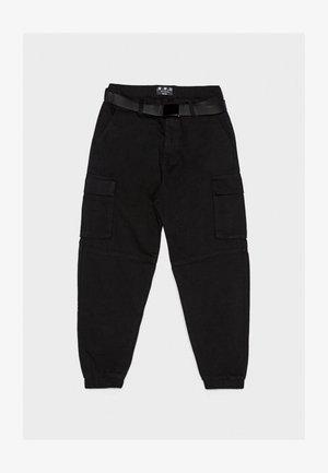 MIT GÜRTEL - Cargo trousers - black