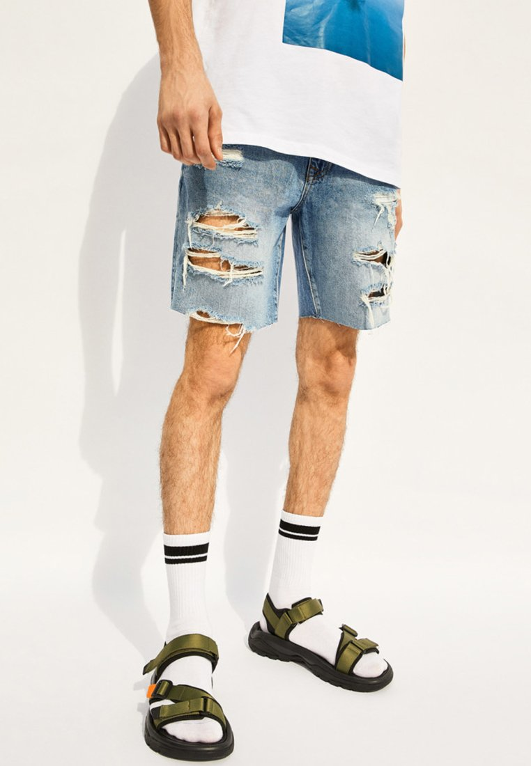 Bershka - IM SLIM-FIT - Jeans Shorts - blue denim