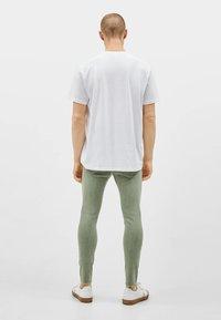 Bershka - SUPERSKINNY - Jeans Skinny Fit - khaki - 2