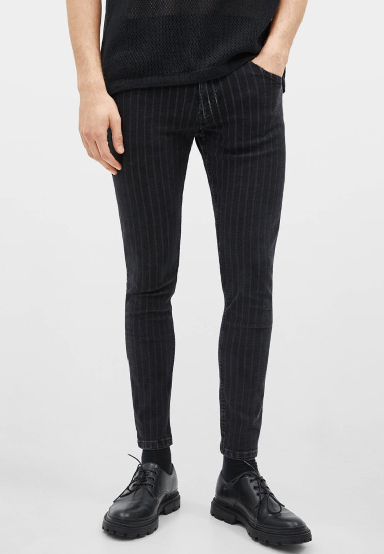 Bershka - Jeans Slim Fit - black denim