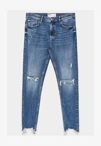 Bershka - MIT RISSEN - Jeans Skinny Fit - light blue - 4