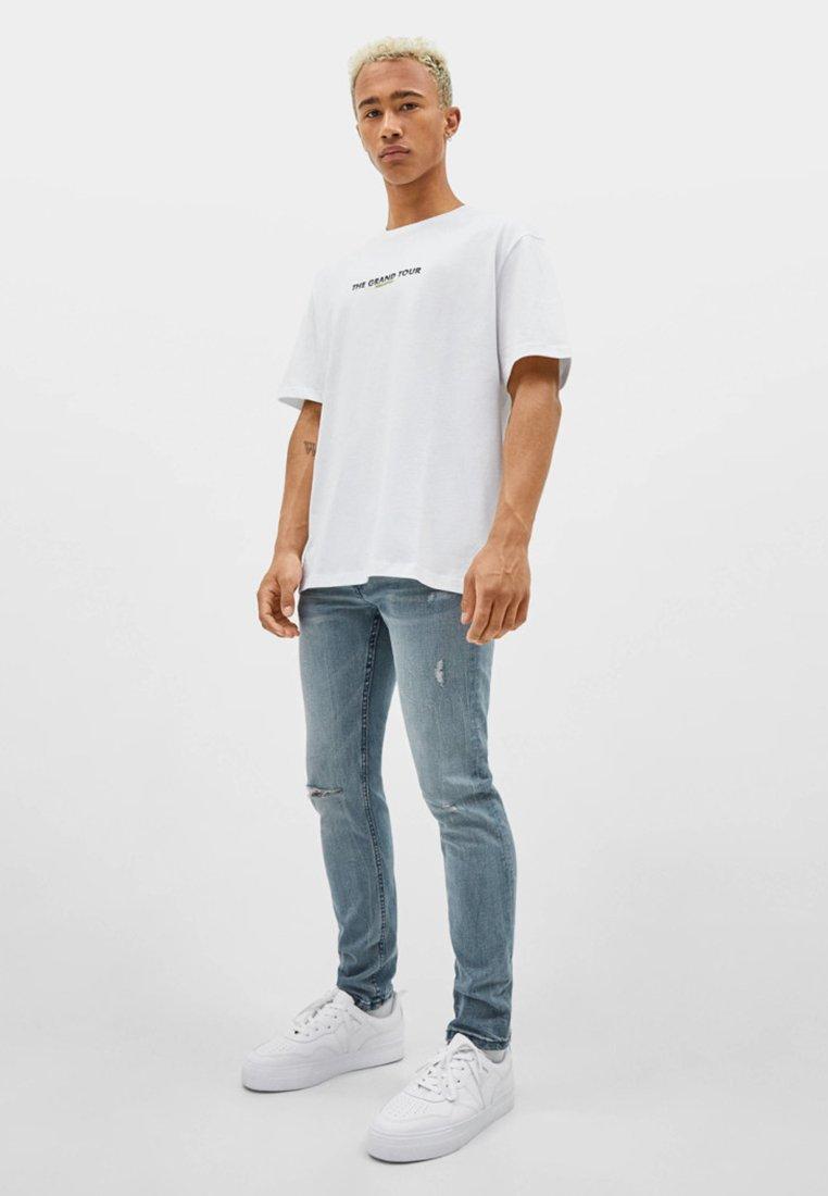 Bershka - Jeans Skinny Fit - grey