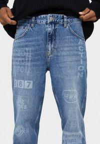 Bershka - LASER  - Jeansy Straight Leg - blue - 3