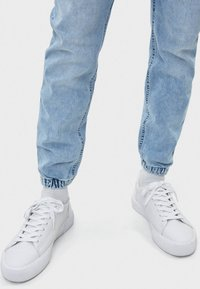 Bershka - Zúžené džíny - blue - 3