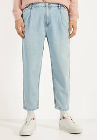 Bershka - BALLOON - Straight leg jeans - blue - 0