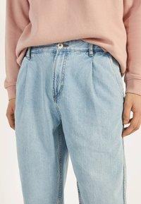 Bershka - BALLOON - Straight leg jeans - blue - 3