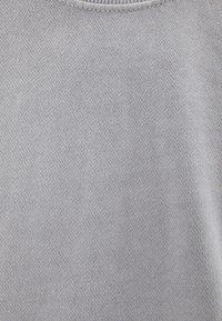 Bershka - T-shirt basic - silver - 4
