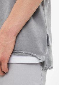 Bershka - T-shirt basic - silver - 3