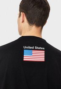 Bershka - NASA - T-shirt print - black - 3