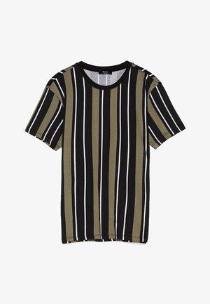 MIT STREIFENPRINT - T-shirt imprimé - khaki