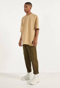 Bershka - T-shirt basic - beige - 2