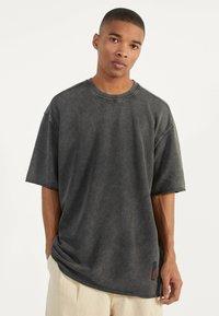 Bershka - Basic T-shirt - dark grey - 1