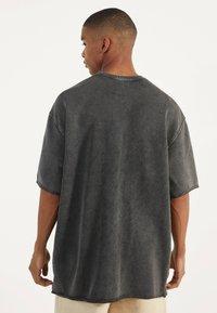 Bershka - Basic T-shirt - dark grey - 0