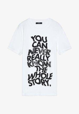 MIT TOTENKOPFPRINT 02401880 - Print T-shirt - white