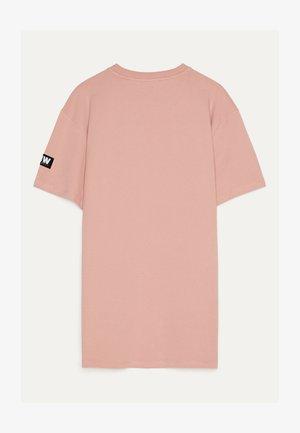 MIT PRINT - T-shirt z nadrukiem - pink