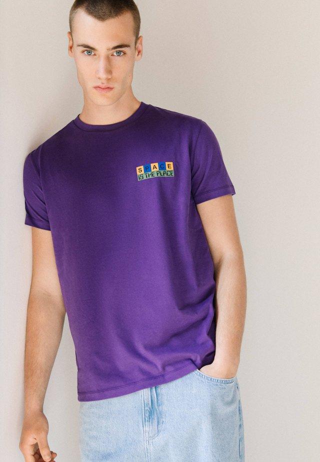 Printtipaita - purple