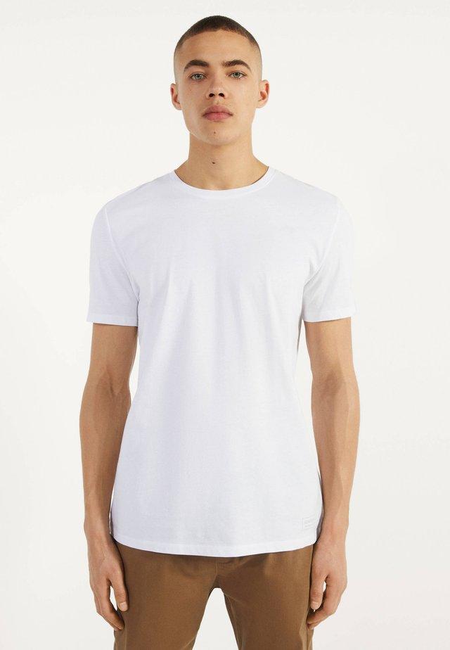 MIT RUNDAUSSCHNITT - T-shirts basic - white