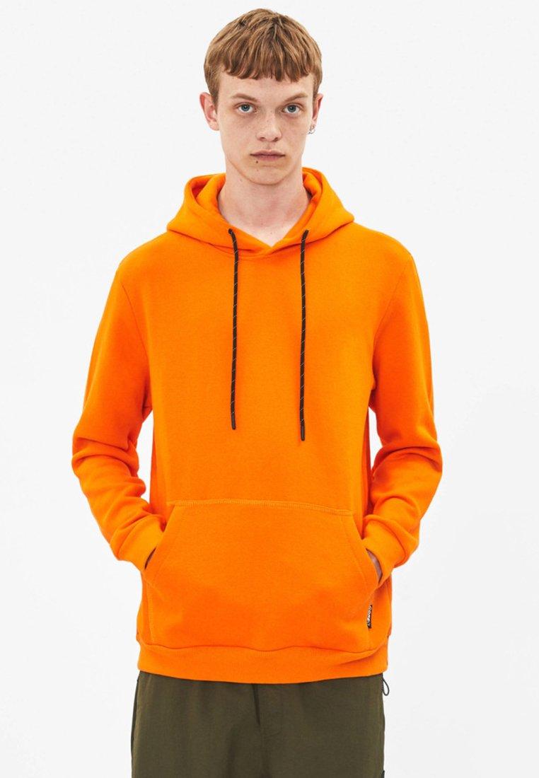 Bershka - Kapuzenpullover - orange