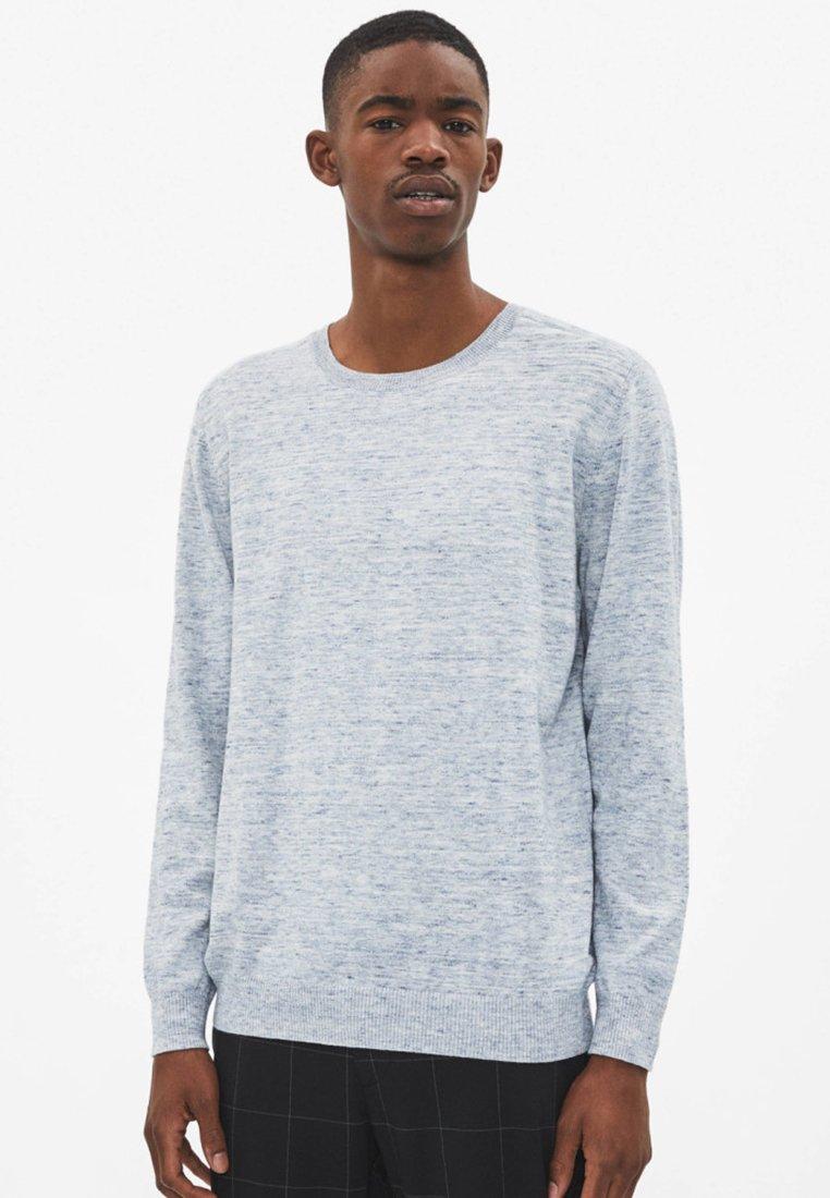 Bershka - MIT RUNDAUSSCHNITT  - Sweatshirt - blue