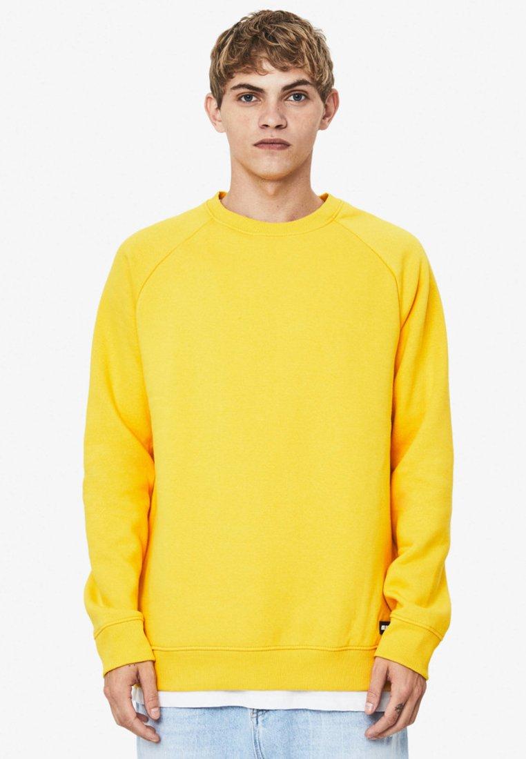 Bershka - Sweatshirt - mustard yellow