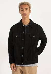 Bershka - JEANSJACKE IM REGULAR-FIT 01273503 - Farkkutakki - black - 0