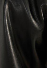 Bershka - BOMBERJACKE AUS KUNSTLEDER 01286514 - Leren jas - black - 5