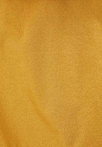 Bershka - MIT KAPUZE - Outdoorová bunda - mustard yellow - 4