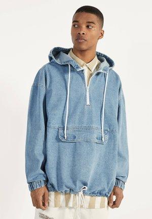 MIT BAUCHTASCHE  - Giacca di jeans - blue denim