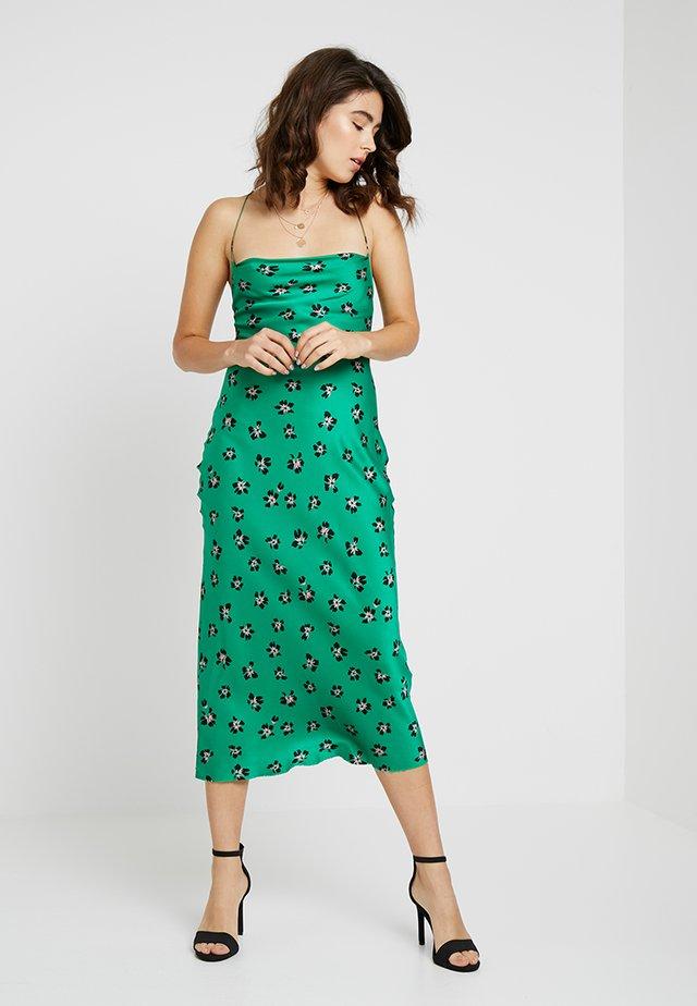 TOPRICAN MIDI DRESS - Cocktailkleid/festliches Kleid - tropical green