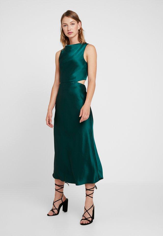 GABRIELLE DRESS - Juhlamekko - emerald