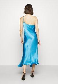Bec & Bridge - FREDERIC ASYM MIDI DRESS - Cocktailkleid/festliches Kleid - azure - 2