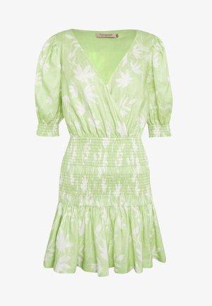 WINDSWEPT MINI DRESS - Korte jurk - green