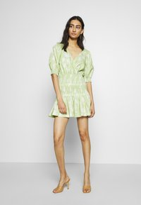 Bec & Bridge - WINDSWEPT MINI DRESS - Korte jurk - green - 1