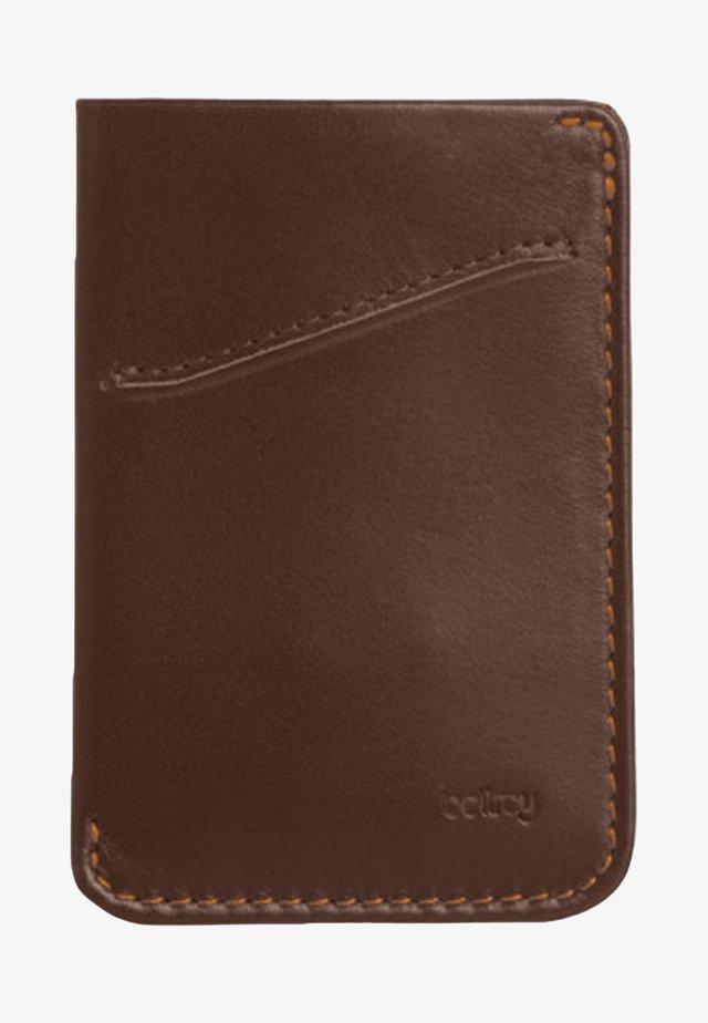 CARD SLEEVE - Business card holder - brown