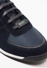 BOSS - GLAZE - Sneakers - dark blue - 5