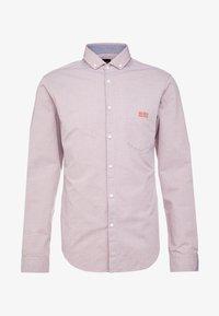 BOSS - BUXTO REGULAR FIT - Shirt - red - 4