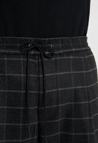 BOSS - KEEN - Pantaloni - medium grey - 5