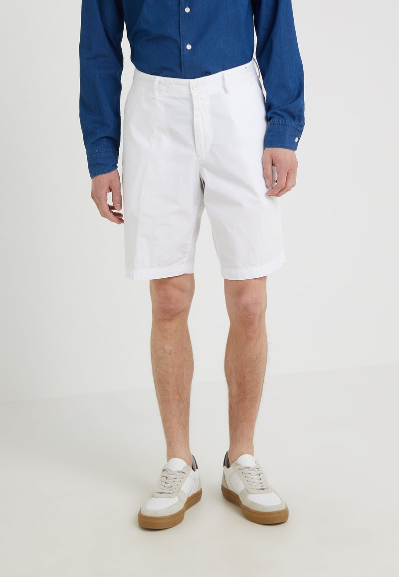 BOSS - BRIGHT - Shorts - white