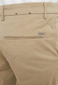 BOSS - LIEM - Shorts - light pastel brown - 4
