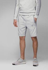 BOSS - HEADLO - Shorts - light grey - 0
