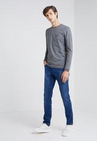 BOSS - TOGN - Top sdlouhým rukávem - medium grey - 1