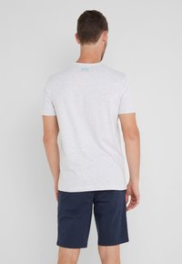 BOSS - TEE - T-shirt z nadrukiem - light pastel grey - 2