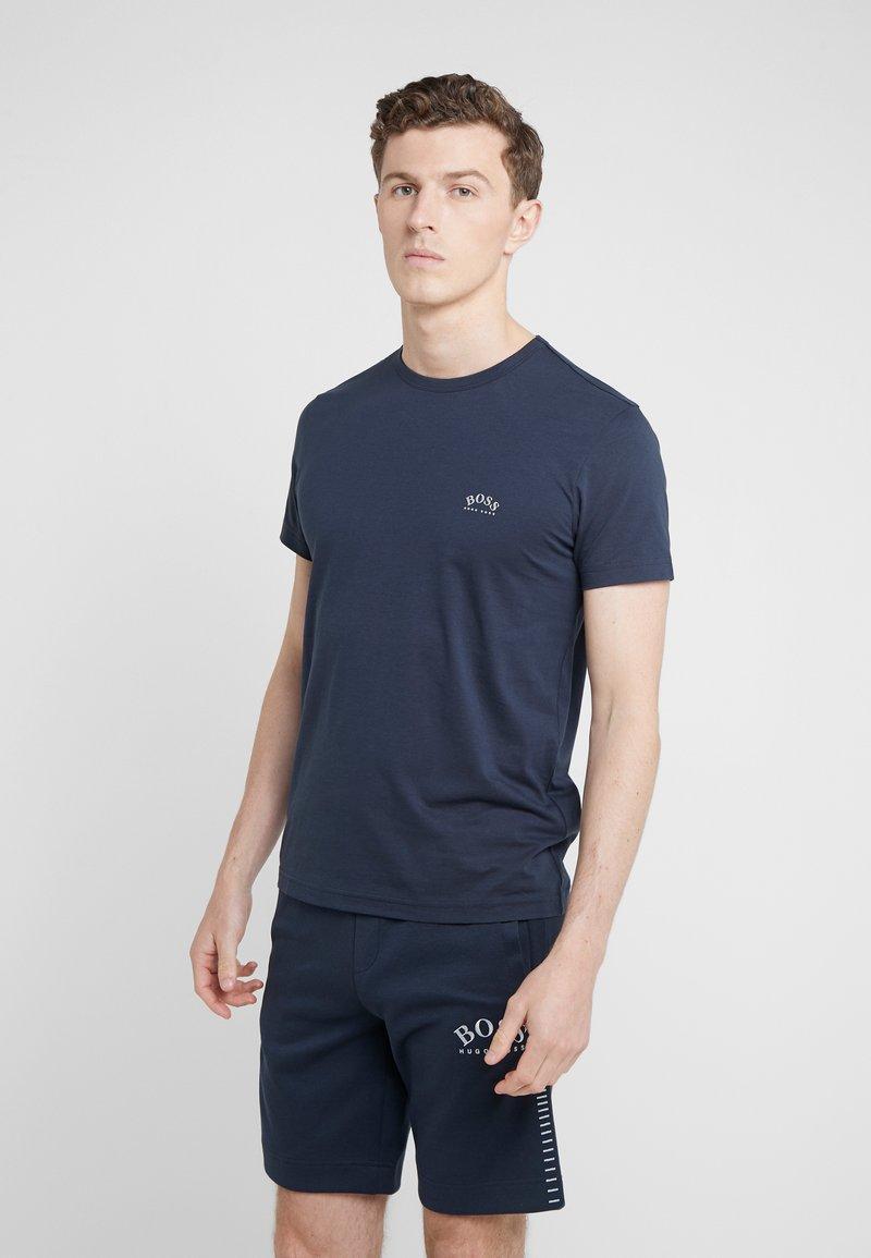 BOSS - TEE CURVED 10213473 01 - T-shirt basique - blue/silver