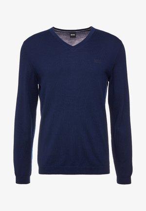 VALLUM - Stickad tröja - navy