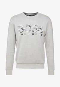 BOSS - SALBO ICONIC  - Sweatshirt - light pastel grey - 3